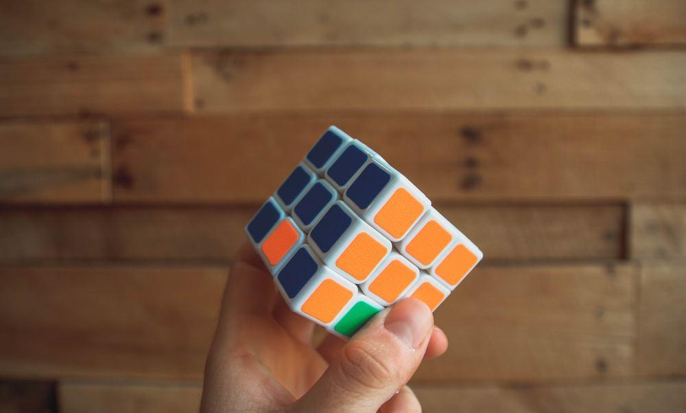 Så löser du Rubiks kub