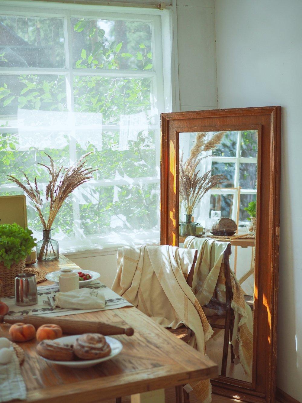 Klassiska sidohängda fönster