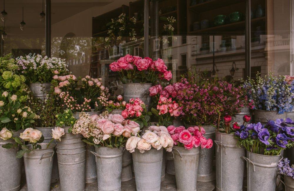 Få ditt förhållande att blomstra med blommogram i Stockholm